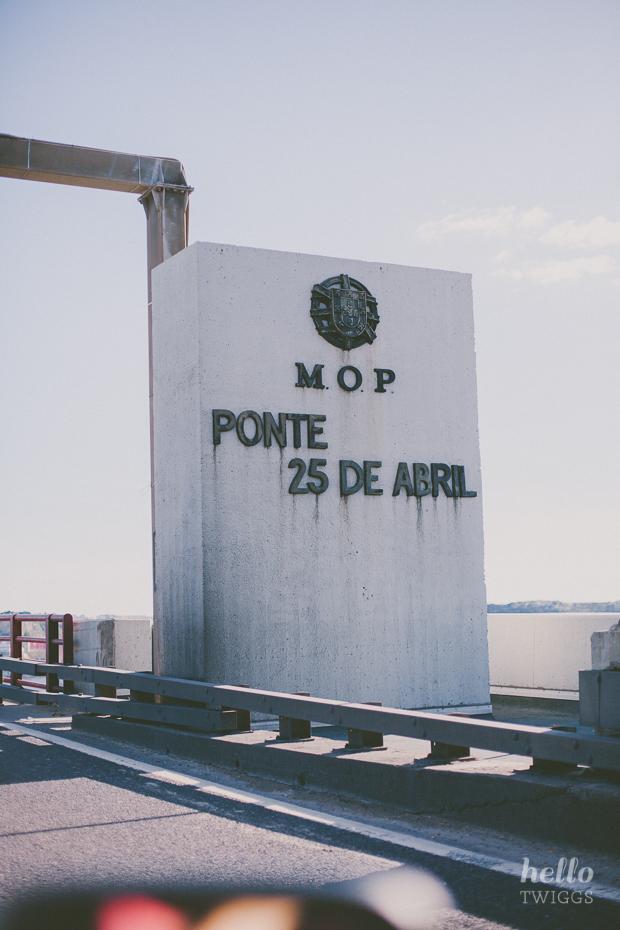 Passing through Ponte 25 de Abril