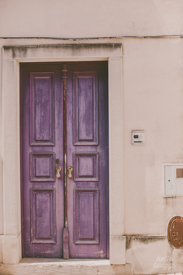 Purple door in Santarém