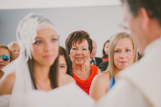 Fotografia de Casamento - Mãe e Irmã da Noiva atentas