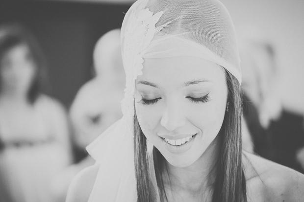 Fotografia de Casamento - Noiva com véu de olhos fechados
