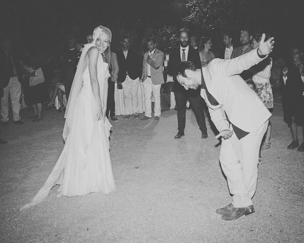 Fotografia de Casamento - Noivos dançam a primeira dança