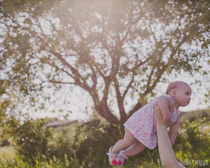 Sessão Fotográfica de Bebé no Campo