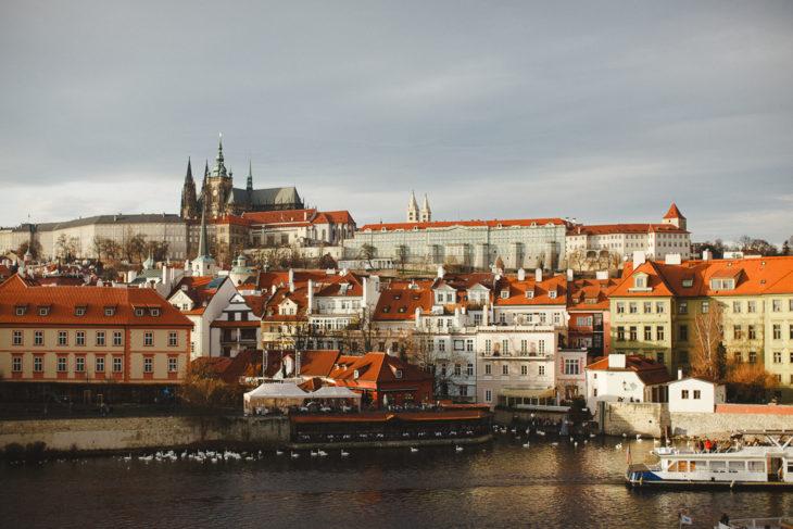 Travel to Prague :: a cidade das cem cúpulas